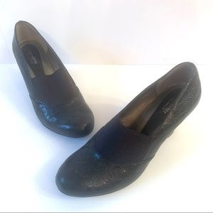 NATURALIZER Black Heeled Shoes in a Size 11
